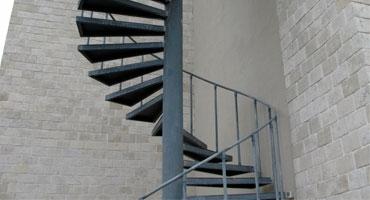 Технология изготовления винтовых и кровельных лестниц